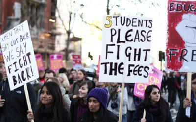 นักศึกษาทั้งหลาย บัดนี้จงเชื่อฟังแต่น้อย และต่อต้านให้มาก!